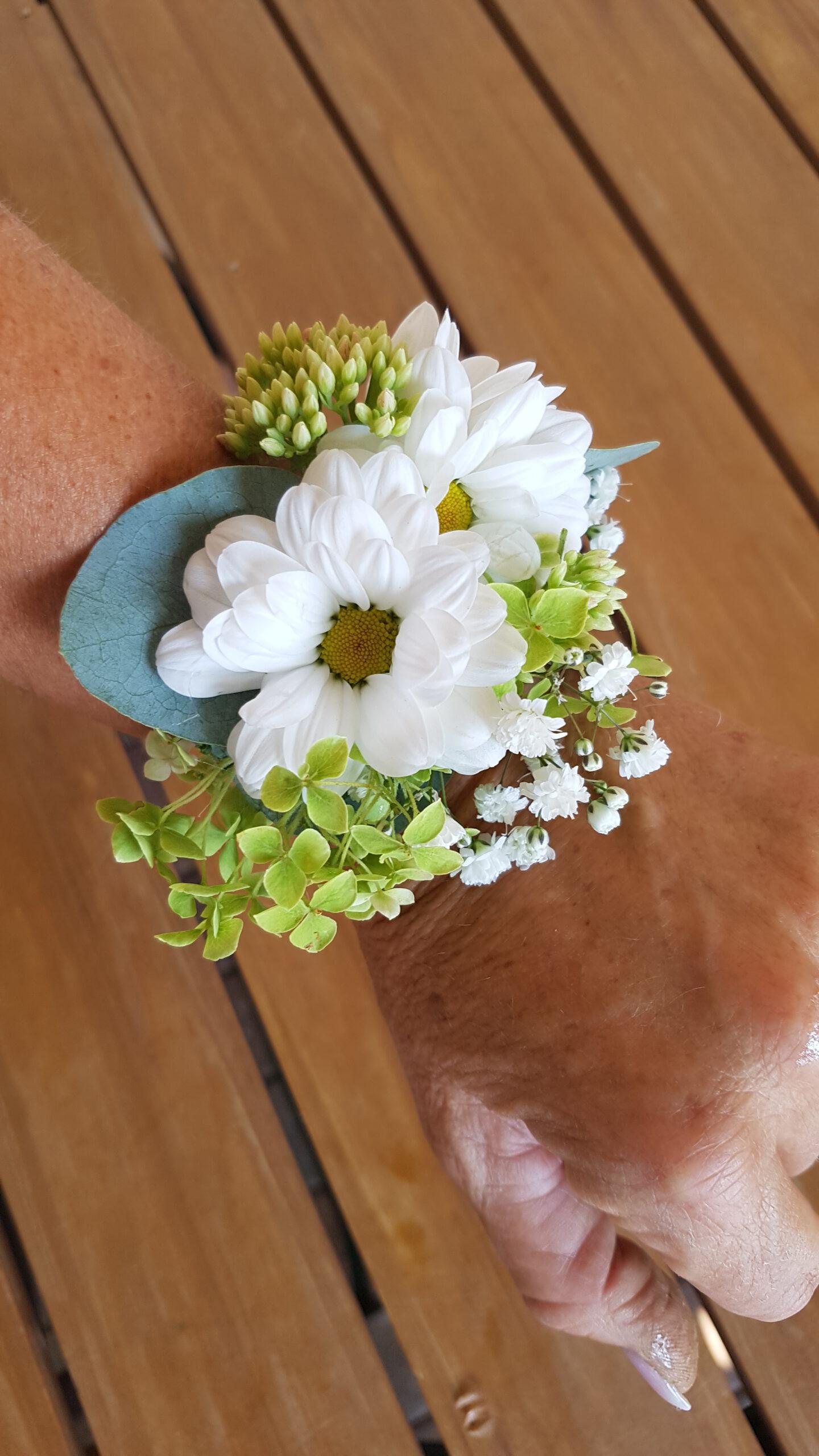 florales Armband weiße Chrysantheme